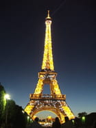 La nuit, la tour - Yves PRADO