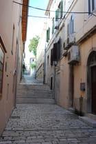 la vieille ruelle - Genevieve LAPOUX