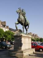 Statue de Duguesclin - Josiane CASTREC
