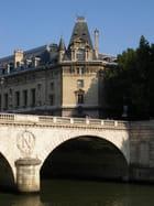 Le Pont Saint Michel et Le Palais de Justice. - ALAIN ROY
