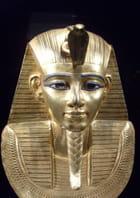 Masque funéraire d'un pharaon par Patrick DELEVOY sur L'Internaute