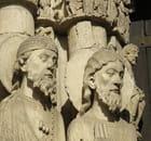 Statues colonnes de Chartres par Gérard ROBERT sur L'Internaute