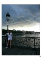 Menace d'orage sur le Pont des arts - Yvette GOGUE