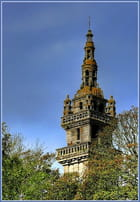Le clocher aux couleurs d'automne - Serge AGOMBART