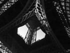 Sous la Tour Eiffel -