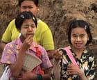 Jeunes filles birmanes - jacques EHRMANN