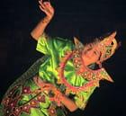 Danseuse birmane par jacques EHRMANN sur L'Internaute