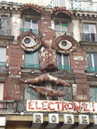 Visage en façade par emmanuelle caradec sur L'Internaute