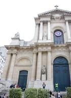 Eglise St Roch pendant l'enterrement de Yves St Laurent par Olivier ROBIN sur L'Internaute