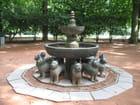 Fontaine asiatique par Francis DAUBY sur L'Internaute