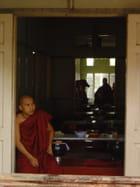 Regard sombre sur la Birmanie - Elsa COHEN