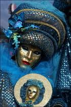 Masque vénitien 2 à Stavelot par Raymond WIDAWSKI sur L'Internaute