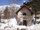 La chapelle de Pelvoux sous la neige - Marcelle Perrard