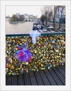 Amour scellé sur le Pont-des-arts... - Yvette GOGUE