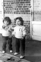 Moi et ma soeur jumelle en 1954 par Bernadette SCHNITZENBAUMER sur L'Internaute