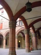 Arcade de la 1ère université d'Europe