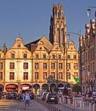 Arras, ses églises, son beffroi, ses places