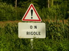 Attention! on rigole.