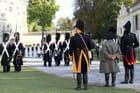 Bicentenaire Napoléon 1er et Marie-Louise : L'Empereur observe ses troupes