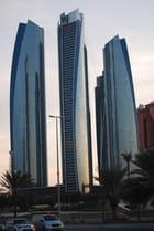 buildings dans la lumière du soir