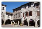 Castelnau de Montmirail...