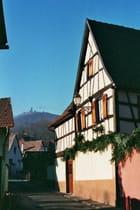 Chateau vue du village