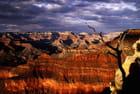 Ciel chargé sur le Grand Canyon