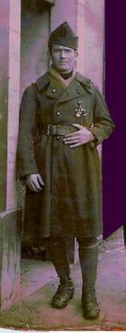 """Costume de Millitaire(1935)."