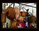 Cuivres sur un marché florentin