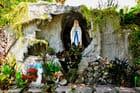 Dans les jardins de l'église de Baclayon.