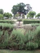 Dans les jardins du château Orcan