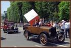Défilé de vieille voiture avant le Tour de France 2012