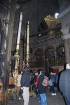 devant le tombeau du Christ