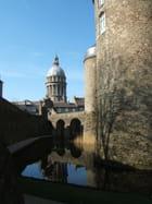 Douves du château et cathédrale de BOULOGNE SUR MER