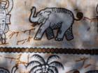 Eléphant sur pagne en R.C.A