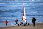 en char à voile sur la plage