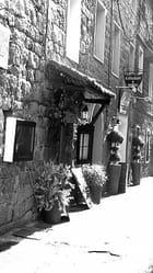 En se promenant dans la vieille ville de Porto-Vecchio