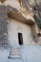 Entrée d'une église rupestre