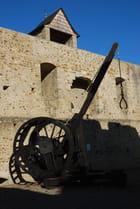 expositions d'armes du Moyen Age