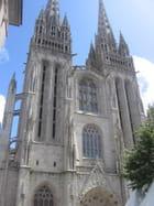 http://image-photos.linternaute.com/image_photo/140/facade-de-la-cathedrale-saint-corentin-de-quimper-1554975507-1658145.jpg