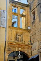 Fenêtre imitation Renaissance, Salon-de-Provence