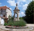 Fontaine néo renaissance