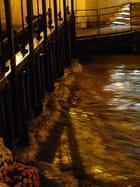 Gros débit au Grand Pont