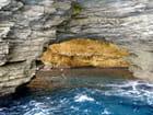 Grotte dans la baie de Bonifacio