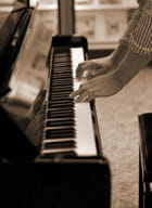 Il jouait du piano debout