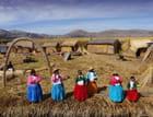 Iles Uros sur le lac Titicaca