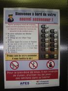 Interdit dans l'ascenseur...