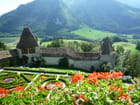 Jardin et remparts du château de Gruyère