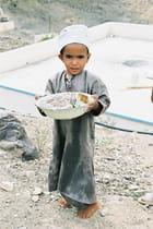 Jeune enfant omanais