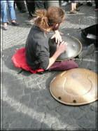 Jouer du hang à mains nues